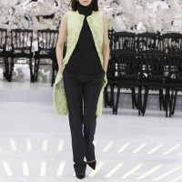 LOOK 40,EMBROIDERED GREEN BREITSCHWANZ SLEEVELESS COAT WITH BLACK WOOL TOP AND BLACK WOOL PANTS.