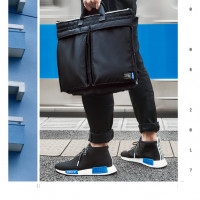 NMD_C1(CP9718)(1万8,000円)、adidas Originals by PORTER Helmet Bag(CI5715)(2万9,000円)