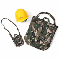 N.ハリウッド(N.HOOLYWOOD)「2WAY HELMET BAG + ヘルメット」(5万6,000円)、「2WAY HELMET BAG MINI」(2万8,000円)