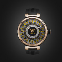 「TAMBOUR WORLD TIME RUNWAY」