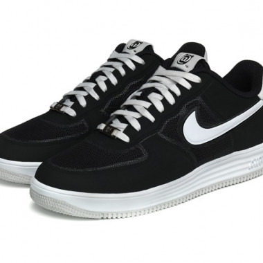 NIKE x BE@RBRICK LUNAR FORCE 11万4,700円