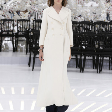 LOOK 21,LONG OFF WHITE WOOL COAT WITH DARK BLUE WOOL PANTS.
