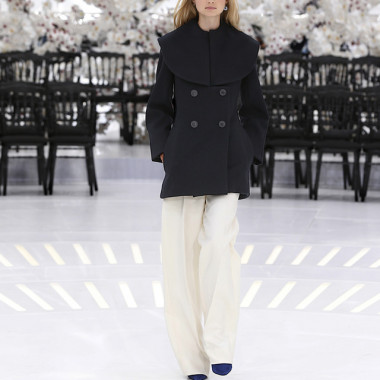LOOK 54,DARK NAVY WOOL PEACOAT WITH OFF WHITE WOOL PANTS.