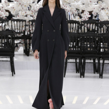 LOOK 19,LONG DARK NAVY WOOL COAT WITH PINK WOOL PANTS.