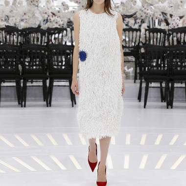 LOOK 44,EMBROIDERED WHITE AND ELECTRIC BLUE SILK DRESS.