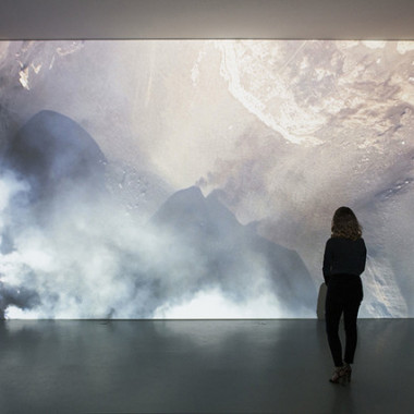 Soleil Noir|16mm film transferred|11'40''|2014Photos : Claire Dorn Courtesy : Galerie Perrotin, Paris.(C)Laurent Grasso / ADAGP, Paris, 2015