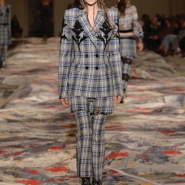 ファッショントレンドニュース | FASHION HEADLINE【ルック】アレキサンダー・マックイーン17SSウィメンズコレクション(1/46)