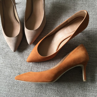 THE POINTED PUMPS(2色/各3万9,000円)
