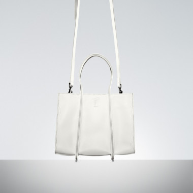 「GETA Small Bag(White/Navy/Black)」(15万5,000円)