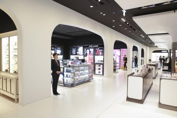 銀座三越に空港型免税店「Japan Duty Free GINZA」がオープン。関税 ...