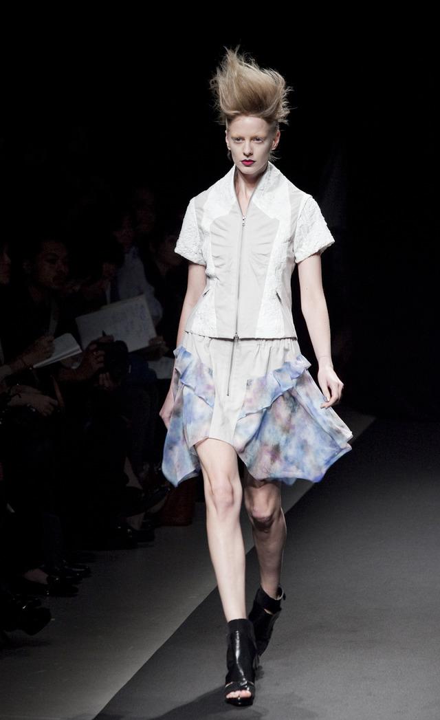 ファッショントレンドニュース | FASHION HEADLINE【東コレ2013SS】稲妻から生み出された「シロマ」流グランジルック(24/33)