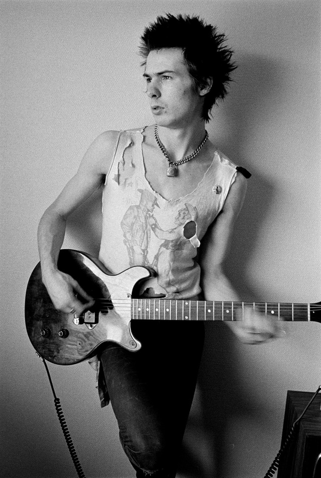 Sid Vicious, 1977 Courtesy of The Metropolitan Museum of Art, Photograph © Dennis Morris - all rights reserved