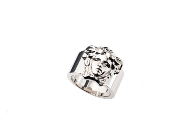 Medusa metal ring