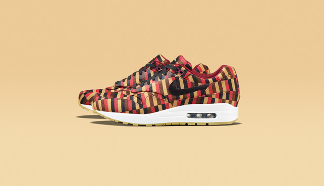 ROUNDEL BY LONDON UNDERGROUND×ナイキのAIR MAX 1