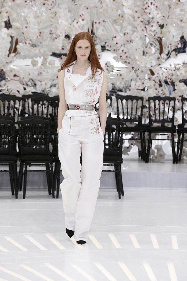 LOOK 9,EMBROIDERED OFF WHITE SILK JUMPSUIT.