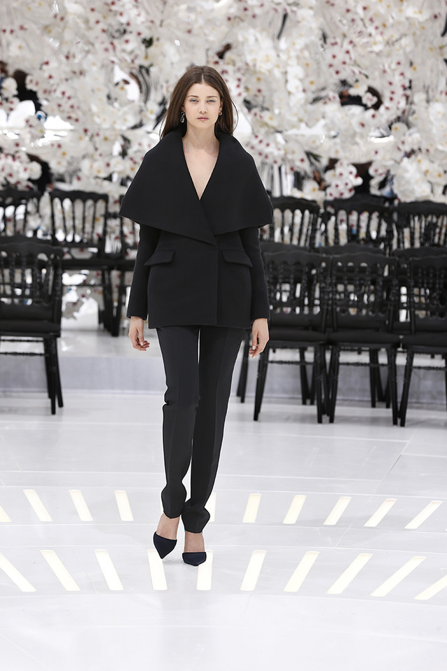 LOOK 50,BLACK CASHMERE JACKET WITH BLACK WOOL PANTS.