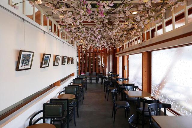 ファッショントレンドニュース | FASHION HEADLINE上野公園のスタバでさくらラテ片手にお花見気分。プランティカが桜満開に(6/12)