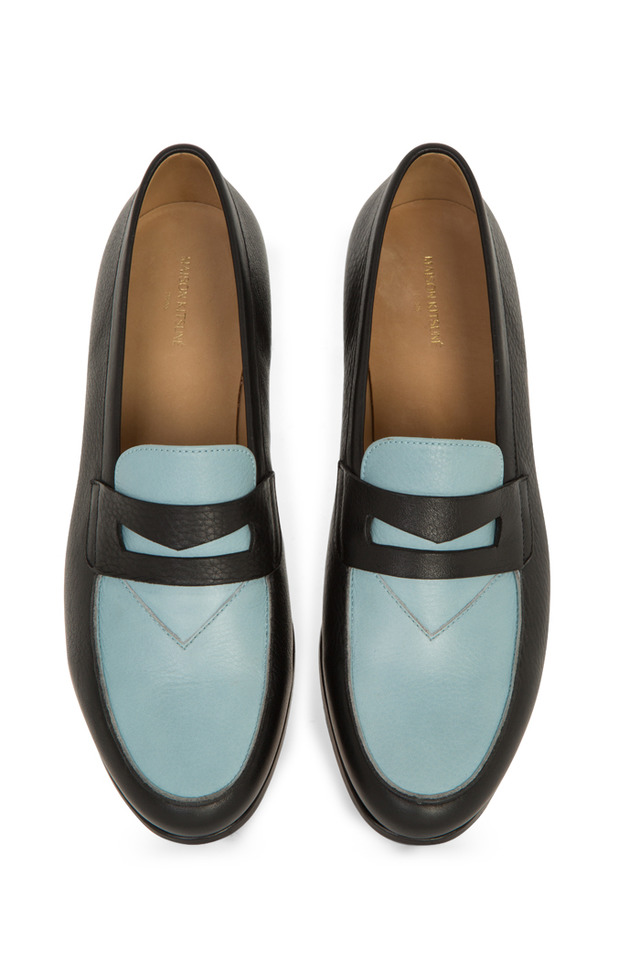 「Bi-color leather penny loafer」(black×sky/6万円)