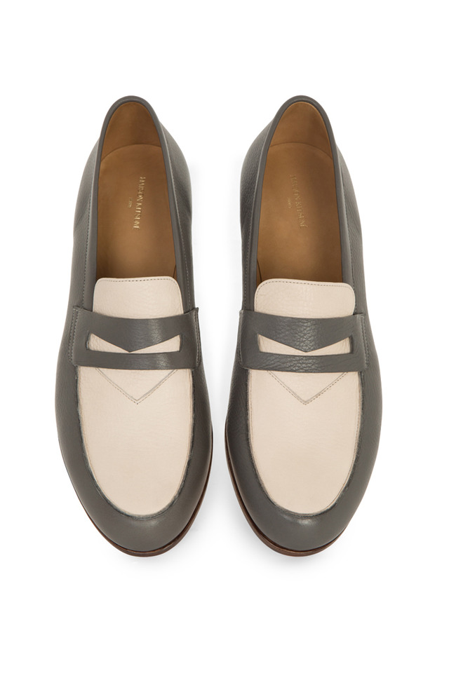 「Bi-color leather penny loafer」(chambray×beige/6万2,000円)