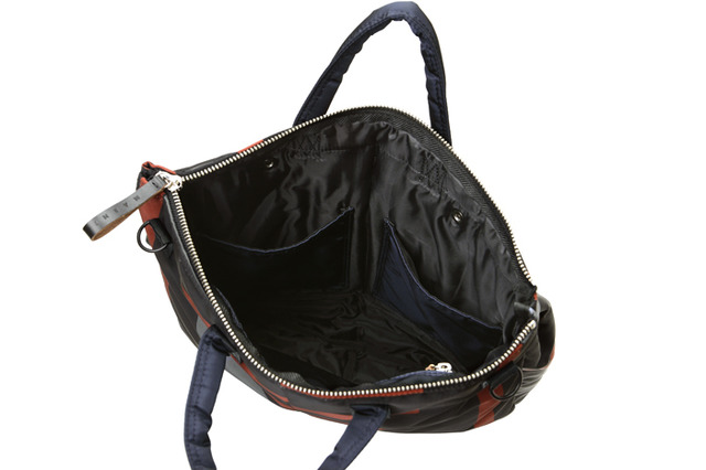 「2WAY HELMET BAG」(5万3,000円)