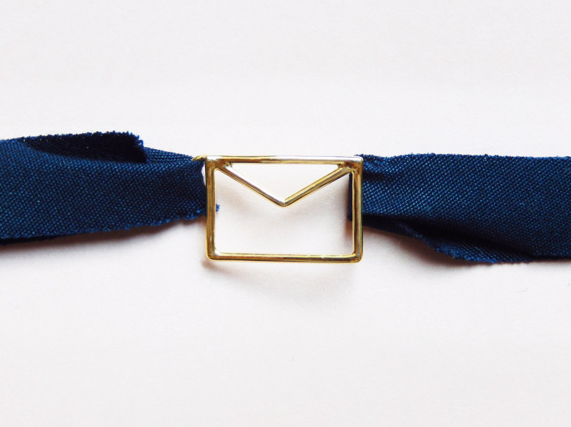 「CARTA PURE FABRIC BRACELET」(1万5,000円)