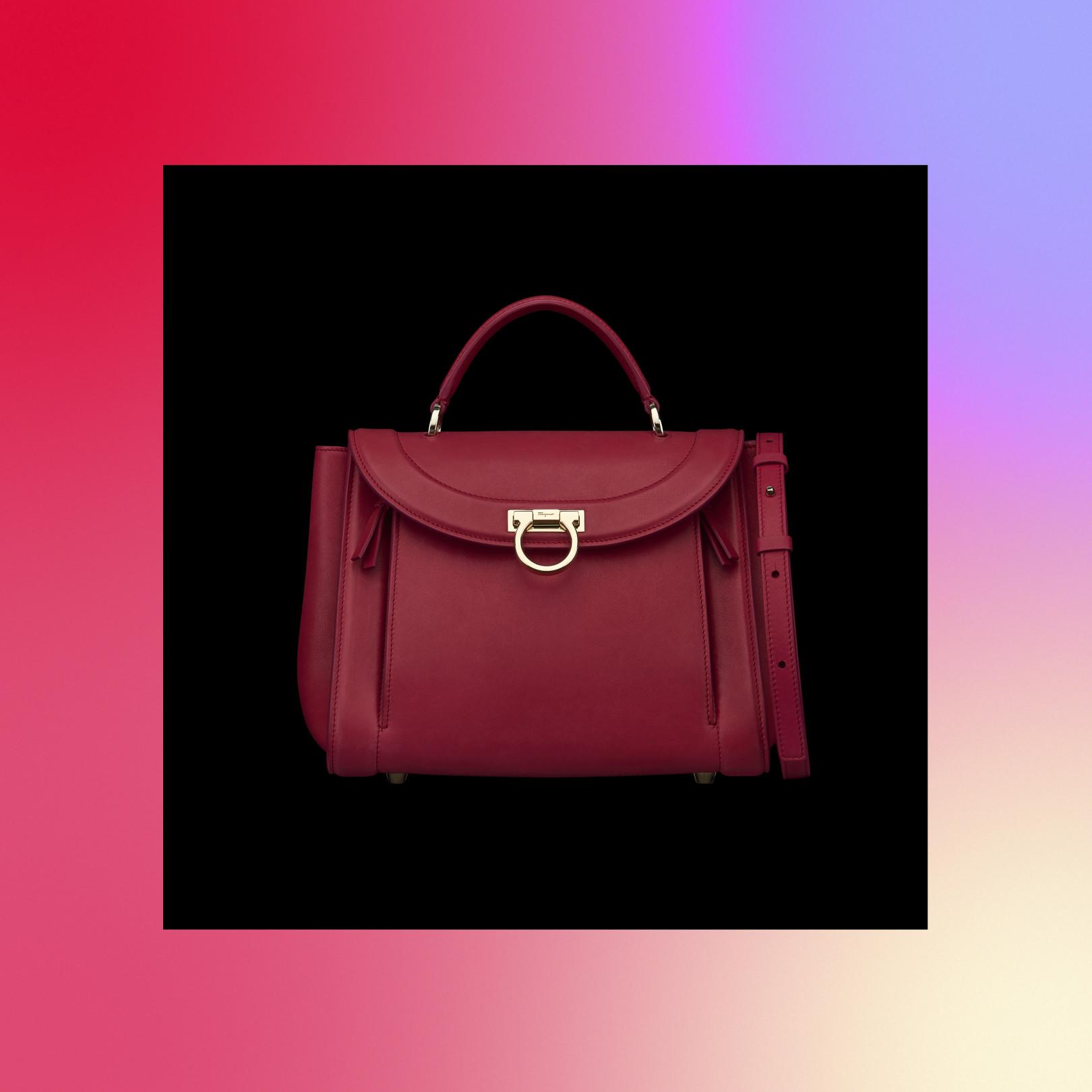 1d484201d129 2009年に誕生した「ソフィア」の最新バージョンとなる「ソフィア・ レインボー」は、ブランドの象徴的な要素をしっかりと表現しつつ、モダンでフェミンな  ...