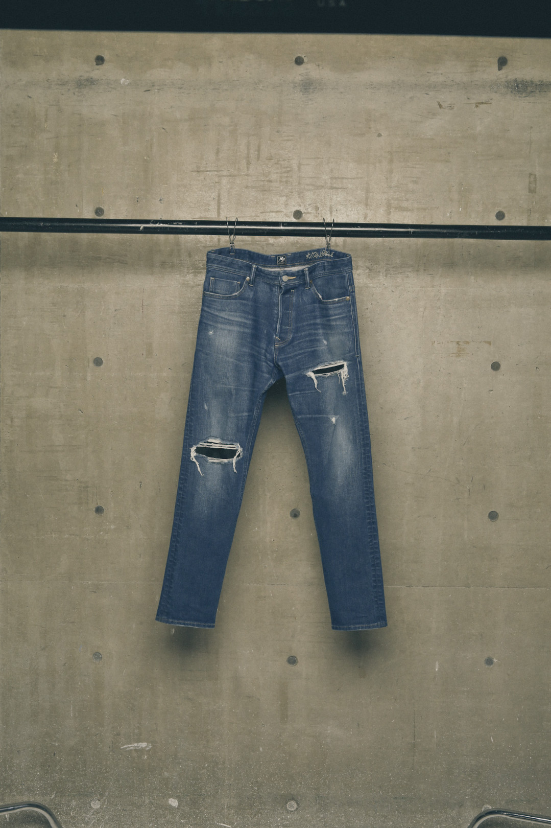 CLASH SKINNY DENIM 2万6,800円