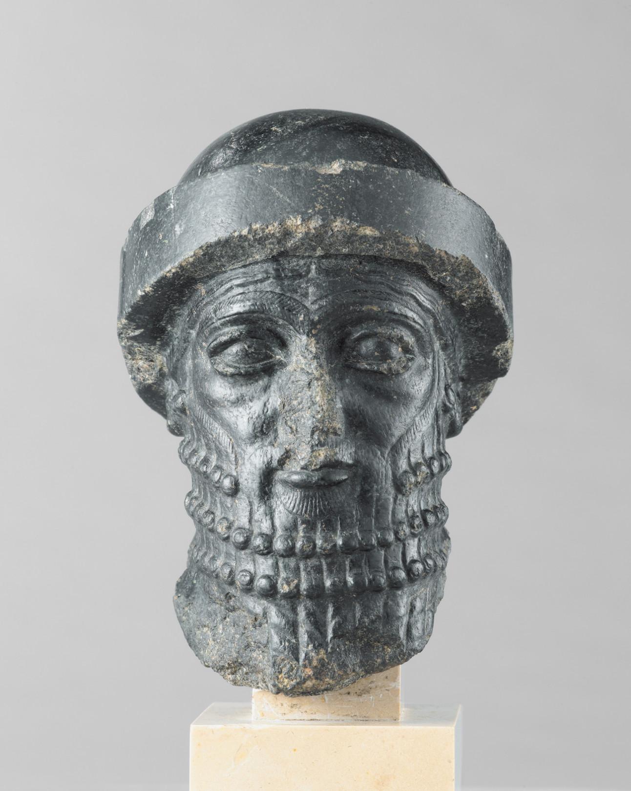 《王の頭部》、通称《ハンムラビ王の頭部》バビロン第1王朝、前1840年頃 イラン、スーサ出土
