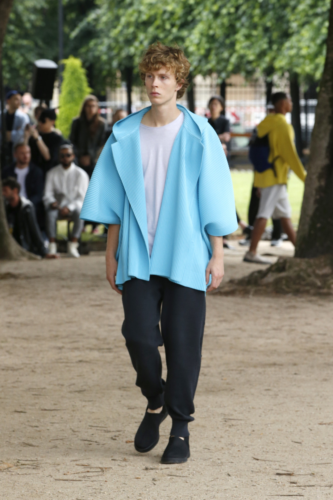 オム プリッセ イッセイ ミヤケが初のショー【2020春夏メンズ】   FASHION   FASHION HEADLINE