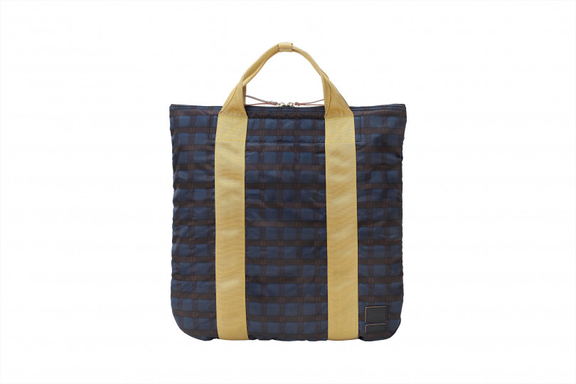 「2WAY TOTE BAG」(4万3,000円)