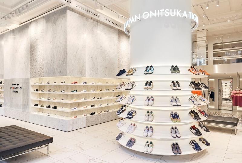 店舗 オニツカ タイガー オニツカタイガーが世界最大の旗艦店を ロンドン